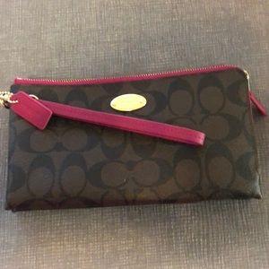 Coach wallet/wrislet